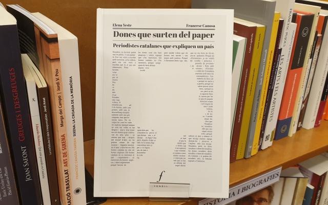 llibre dones que surten del paper